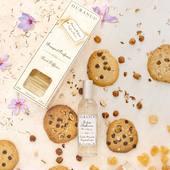 Vôňa čokolády, vanilky a lieskových orieškov, ktorá pripomína návštevu sladkej pekárne.   #durance #madeinfrance #scented #hanzelnutcookie