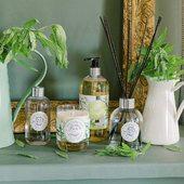Letná kolekcia vôní Sparkling Verbena plná sviežosti a energie 💚.  #durance #provence #madeinfrance #sparklingverbena #interior #home #cosmetics #nature