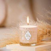 Prirodzená vysnívaná vôňa kašmírovej sviečky v rastlinnom vosku obohatená o včelí vosk. Zaleje priestor práškovou a upokojujúcu vôňou tým najkvalitnejším spôsobom. Vyrobené ručne vo Francúzsku, v našej dielni v Grignane, Drôme Provençale.  #durance #madeinfrance #provence #handmade #candles #scentedcandle #parfume