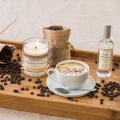White coffee - vôňa čerstvej kávy, napenenej smotany a sladkého kakaa 🤍.  #whitecoffee #durance #madeinfrance #candle #home