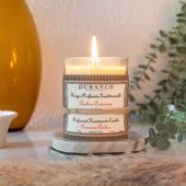 Precious Amber -  Vzácna, teplá a tajomná vôňa, ktorá prinesie k vám domov pikantné teplo. Hlboké jantárové tóny podtrhnuté sladkým a orientálnym nádychom. Vôňa obsahuje výťažky ako vanilka, koriander a céder.  #durance #scentedcandle #fragrance #madeinfrance #home