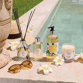 Edícia vôní Durance s vanilkou z Madagaskaru. Vôňa, ktorá vás zavedie na nebeské pláže do prostredia k exotickým letným kvetom ☀️.  #durance #sensualmonoi #fragrance #vanilla #summer #cosmetics #cosmeticslover #scentedcandles