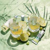 Interiérový parfém Lime Mint prevonia váš domov sviežimi mätovými a limetkovými tónmi. Jemný krém na ruky Sparkling Verbena obohatený o včelí vosk a mandľový olej zanechá na rukách svieži citrónový závoj 💛.  #durance #madeinfrance #sparklingverbena #limemint #fragrance #scented #parfume #nature